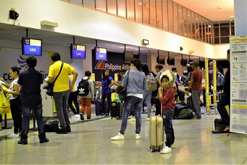 5j242 ilo rpvi iloilo airport kid child checkin 5j cebu pacific airline