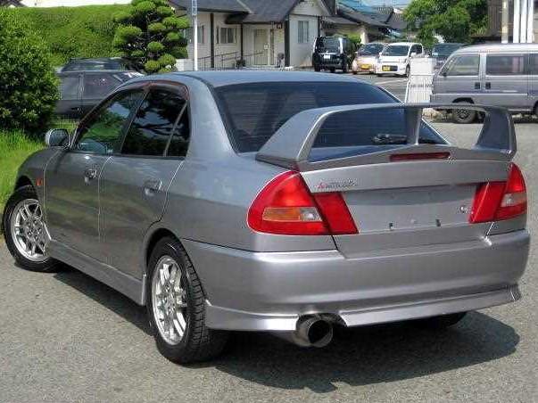 Mitsubishi Lancer EVO IV – 1996