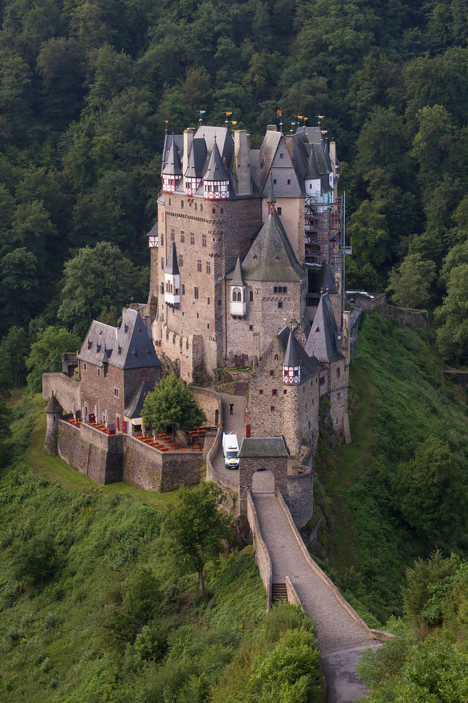 Eltzin linna, Saksa