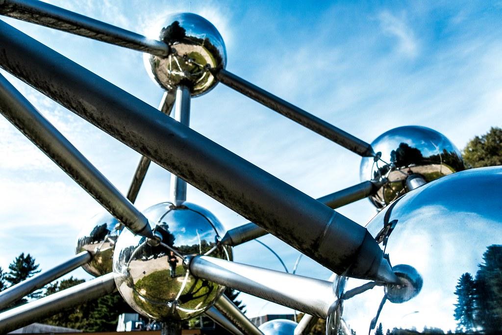 Atomium model