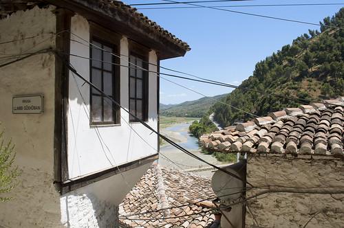 berat albania balkans east trip colors village historical ancient view panorama river shqipëri shqipëria nikond90