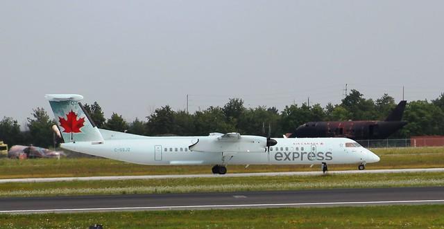 Air Canada Express  C-GSJZ  Bombardier Dash 8
