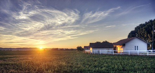 weiser idaho sunrise sun day dawn farm farmhouse field sony nex6 selp1650 3xp raw photomatix hdr qualityhdr qualityhdrphotography sky landscape fav200