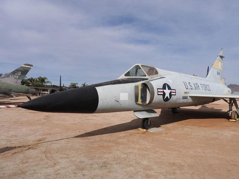 Convair F-102A Delta Dagger 2