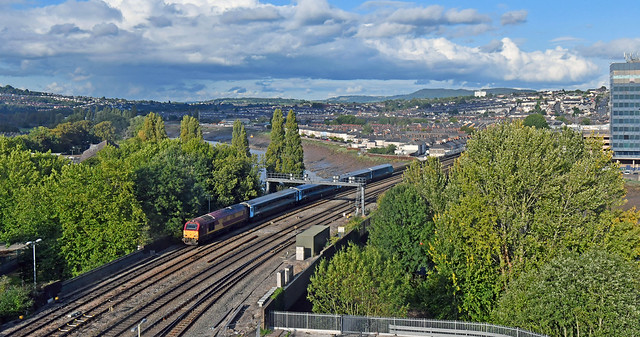 67016 crossing the River Usk at Newport