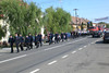 Die Feuerwehrgäste aus Menzingen haben auch Haltung mitgebracht: geschlossene Paradeuniformen auch bei 35° im Schatten