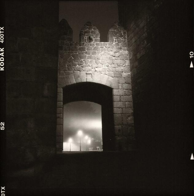 Entrada al casco antiguo - Puerta del Carmen - Rolleiflex 3.5
