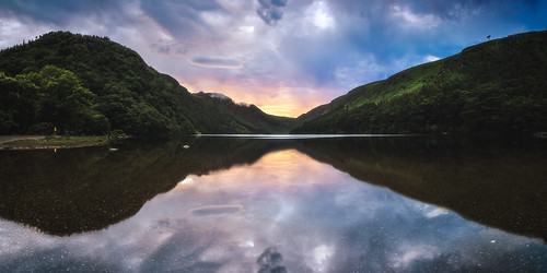 irland ireland wicklow mountains glendalough gebirge berge see lake upperlake spiegelung reflections landscape landschaft natur nature travel reise europe europa sunset sonnenuntergang