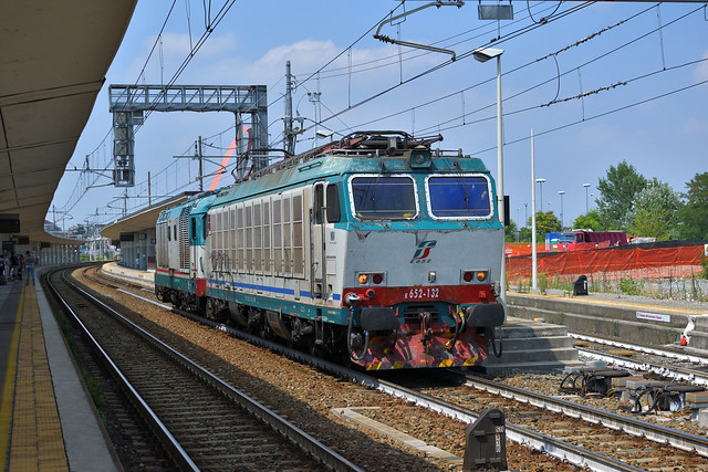 E652.132 + D445.1097 MIR MERCI LIS 70435 Torino Orbassano F.A. - Alessandria Smistamento