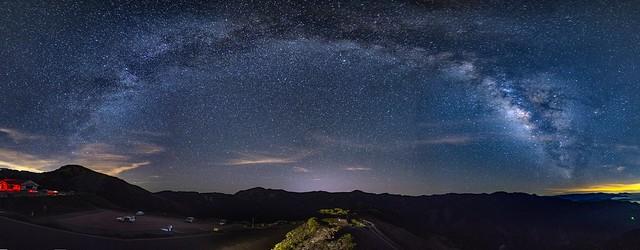 合歡山.昆陽~弓形銀河全景~  Galaxy panorama