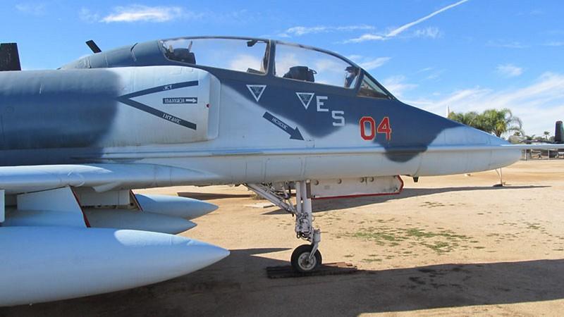 Douglas TA-4J Skyhawk 2