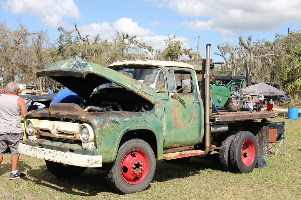 1956 Ford F350 Flatbed Truck