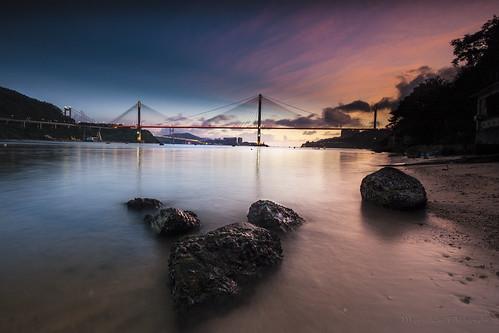 longexposure sunset beach hongkong nikon rocks waves 香港 日落 magichour 荃灣 tingkaubridge 汀九橋 近水灣 approachbeach