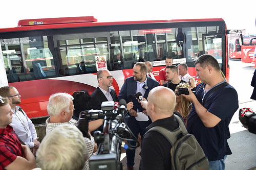 Mzdy vodičov prímestskej autobusovej dopravy v BSK vďaka župe stúpli
