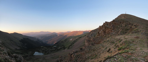 colorado hiking mountains landscape panorama water lake sky blue morning sunrise bluecreekbasin bluelake conemountain coloradominespeak peak12845 rockymountains
