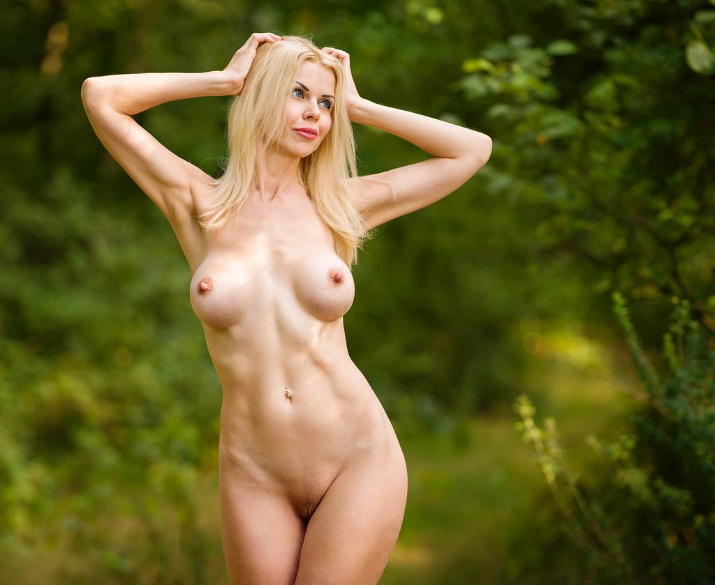 Kim kardashian's most naked, nude outfits