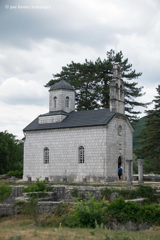 Vanha kirkkorakennus Montenegron entisessä pääkaupungissa Cetinjessä