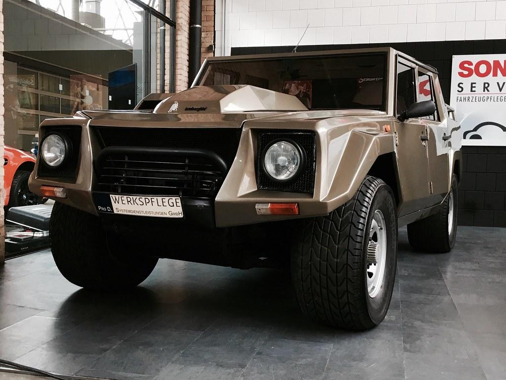 Lamborghini LM002   1986-1993