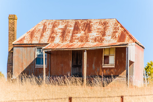 tin corrugated iron landscape old australia rust rural newsouthwales centralwest countryside centralwestnsw house rusty chimney farmhouse orangensw orange nsw
