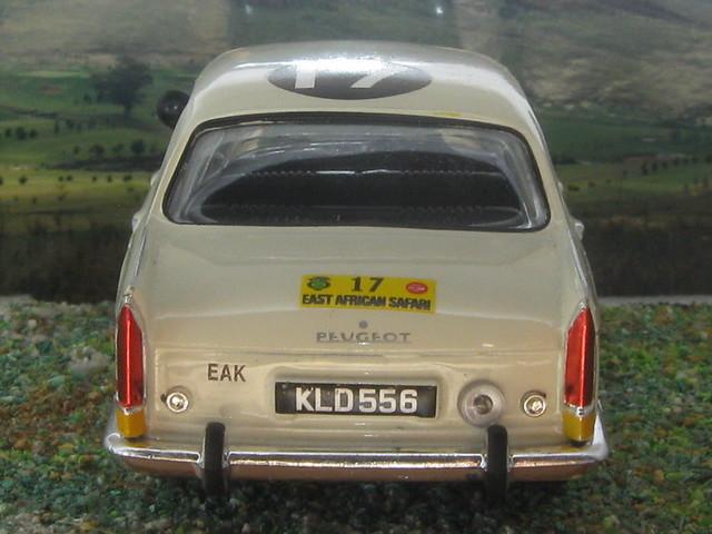 Peugeot_404_Kenya_1968_06