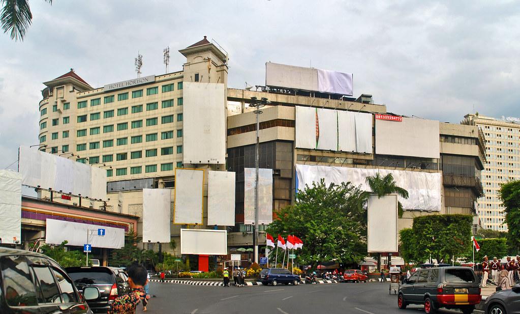 Plaza Simpang Lima