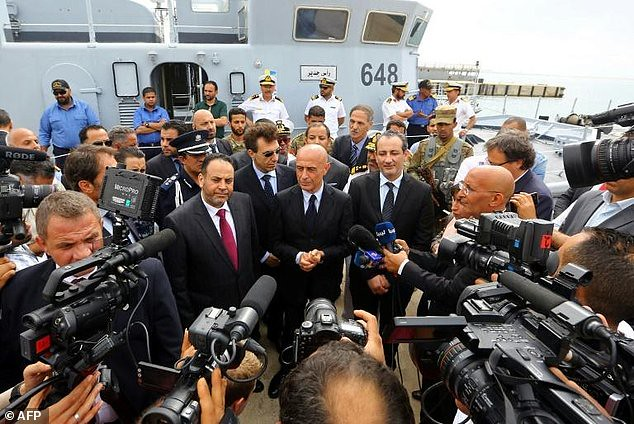 20170816 Schiffsübergabe an Libyen in Abu Sitta; screenshot
