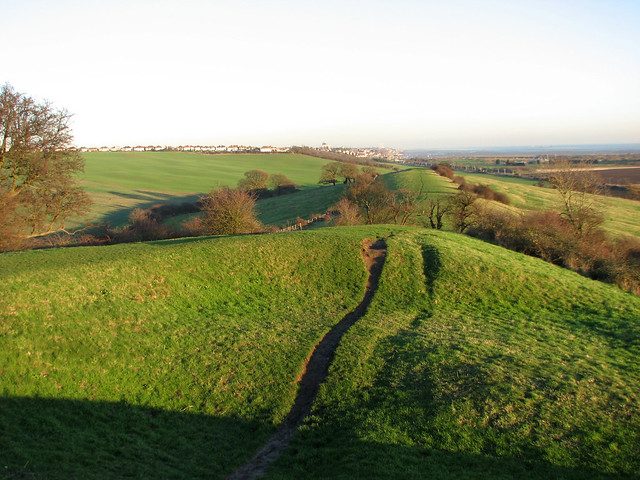 Path east from Hadleigh Castle