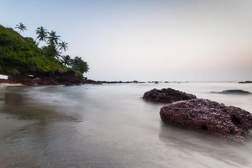 arambol beach goa arabiansea westcoast sea water rock coconuttrees sunset k2gride yesmk nwc photography longexposure d90 nikon iamnikon muthukumar