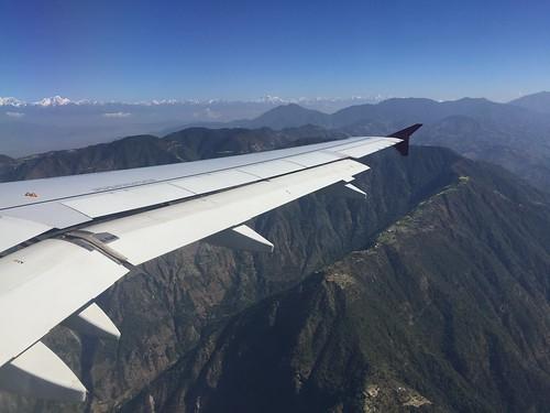 plane airplane landing approach kathmandu nepal mountains valley himalayas