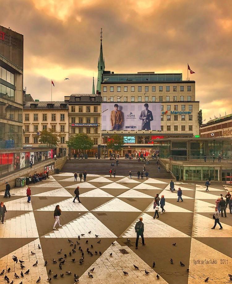 30eec8dfa71 ... Square and triangles : Plattan, Sergels Torg, Stockholm, iPhone 7   by  Tankartartid