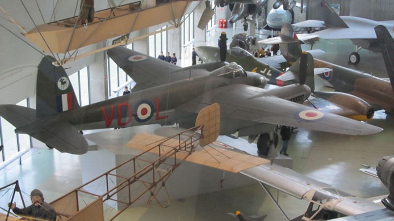 De Havilland Mosquito B.35 2