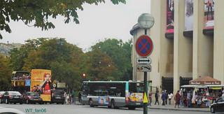 Bus in Paris   by WT_fan06