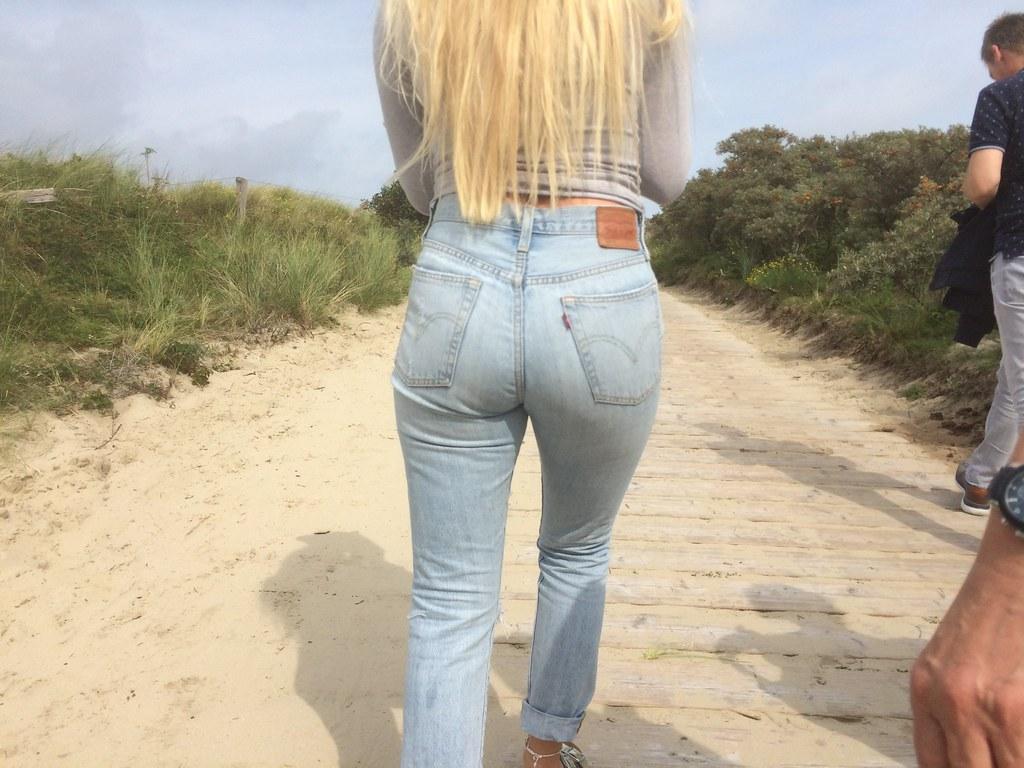 Naomi russell latex