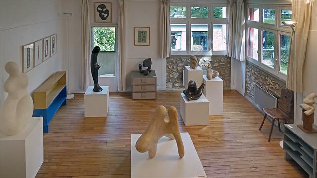 Salle d'exposition de la Fondation Arp à Clamart