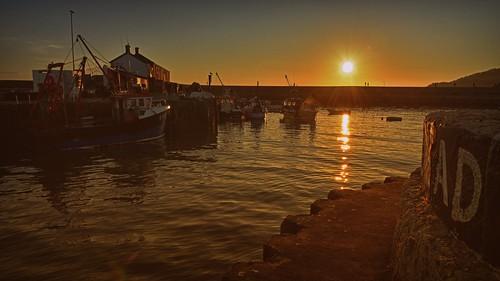 sundowner lymeregis dorset boats sea water sunset harleynikridesagain