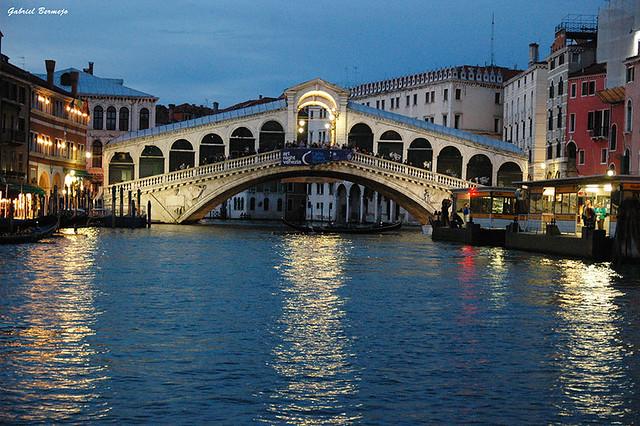 Puente de Rialto - Venecia