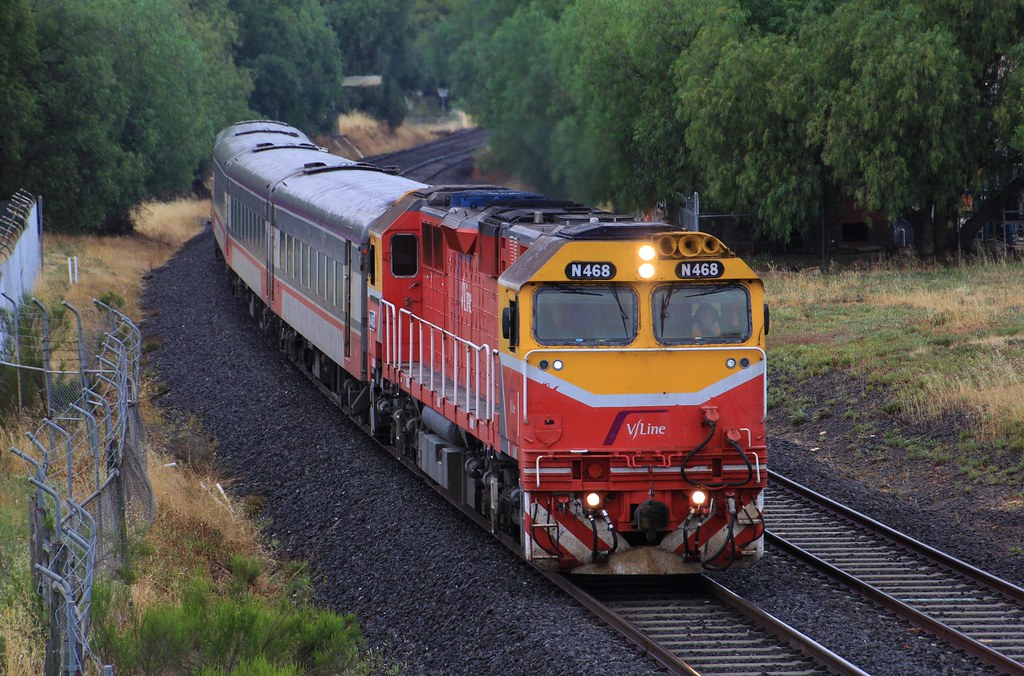 N468 accelerates past the old Golden Square station on the Up Swan Hill by bukk05