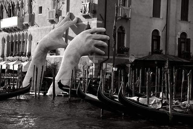 Bienale di Venezia sculpture by Lorenzo Quinn 2017