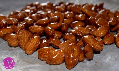 Almonds coated with Honey