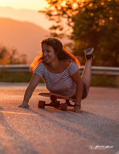 sunset sunrise gold golden momment yellow red orange mountain road surfing longboarding swiming snickers girl smile happy summer trip shortys fun friends joy hot day forest woods trees stripes black siluet shadows