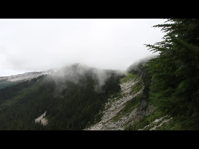 3005 Panorama video from the Cloudy Pass Hiker Trail showing clouds blowing over Cloudy Pass