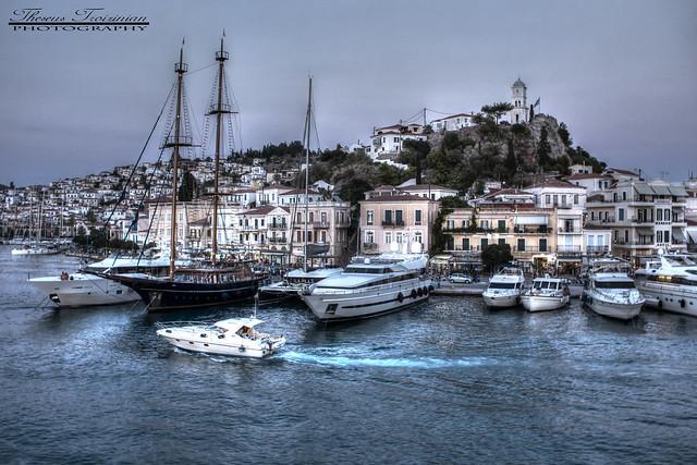 A view of Poros' port
