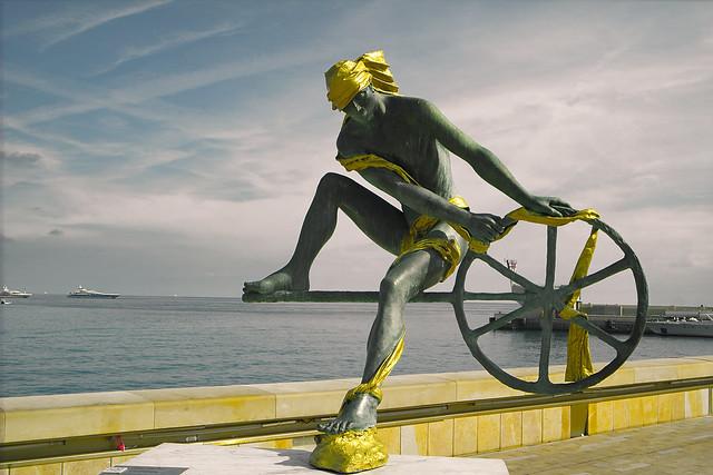 Sculpture à Port Hercule