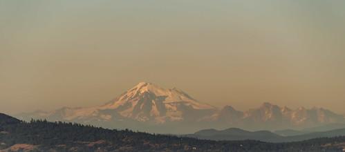 jenniferpark vancouverisland saanich victoria bc britishcolumiba goldenhour magichour mountbaker mountain canavart smokey