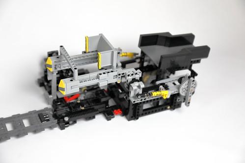 Akiyuki Train V2 unloader   by Berthil van Beek