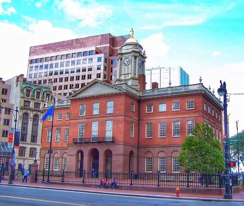 unitedstates landmark hartford connecticut ct old state house downtown register historic nrhp tower cupola clock restored architecture federal colonial stye victorian revival history architect charles bulfinch boston public onasill sunset golden clouds sky outdoor justice statue dome