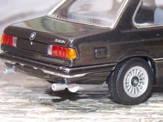 BMW 323i - 1977 - Minichamps   by 1:43 Ortuzar
