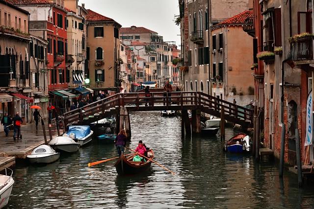 Venice / Rio della Misericordia / Ponte Loredan / Rainy day