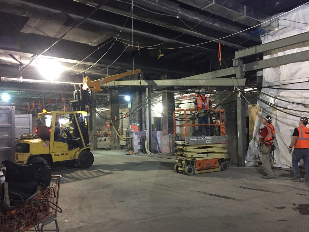 Steel beam installation along the main corridor of the future LIRR Concourse. (CH014B, 9-20-2017)