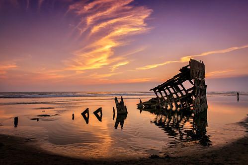 wreckofthepeteriredale oregon waves wilbur sunset